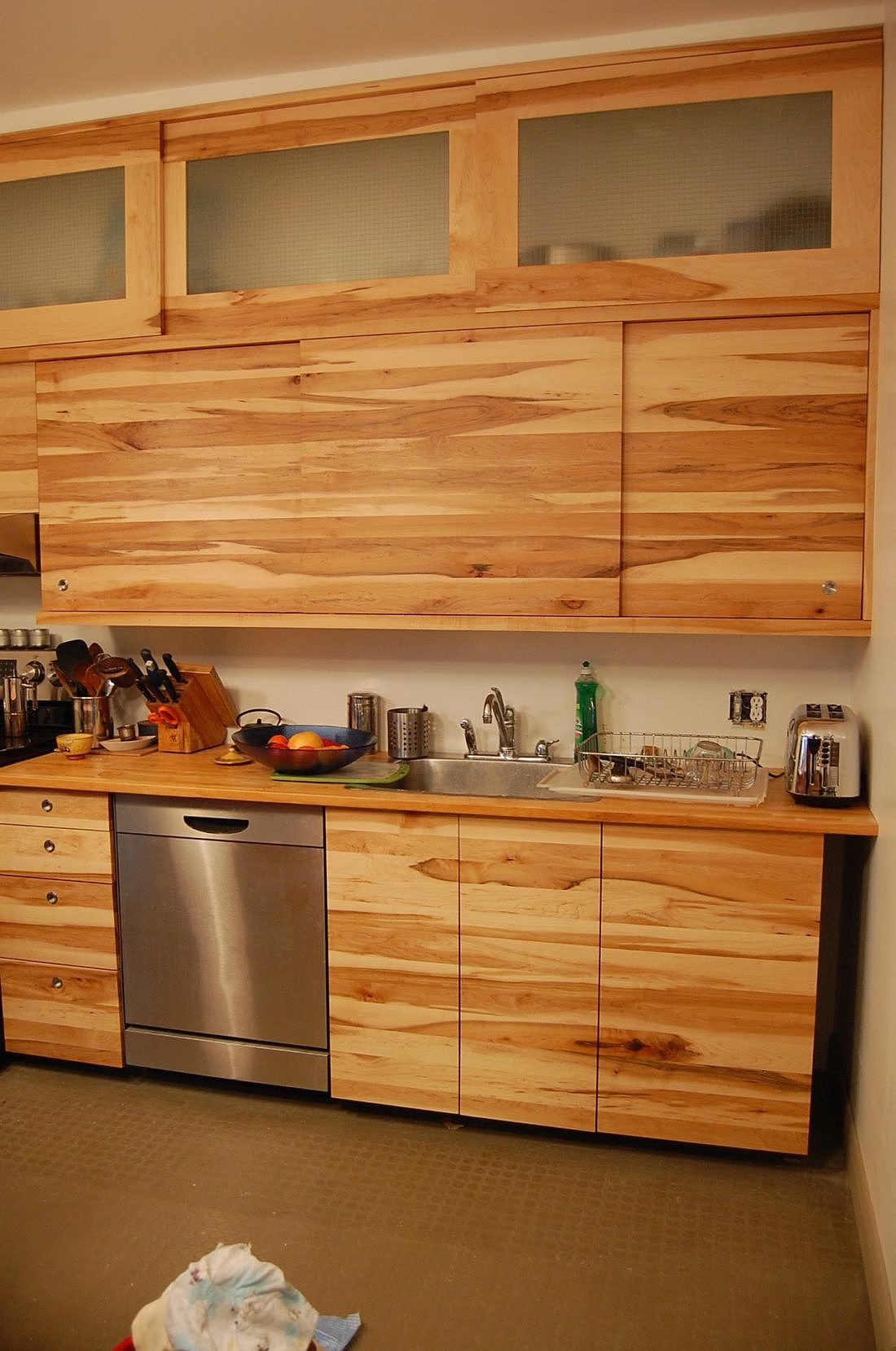 armoires-cuisine-bois-massif-mobilier-montreal