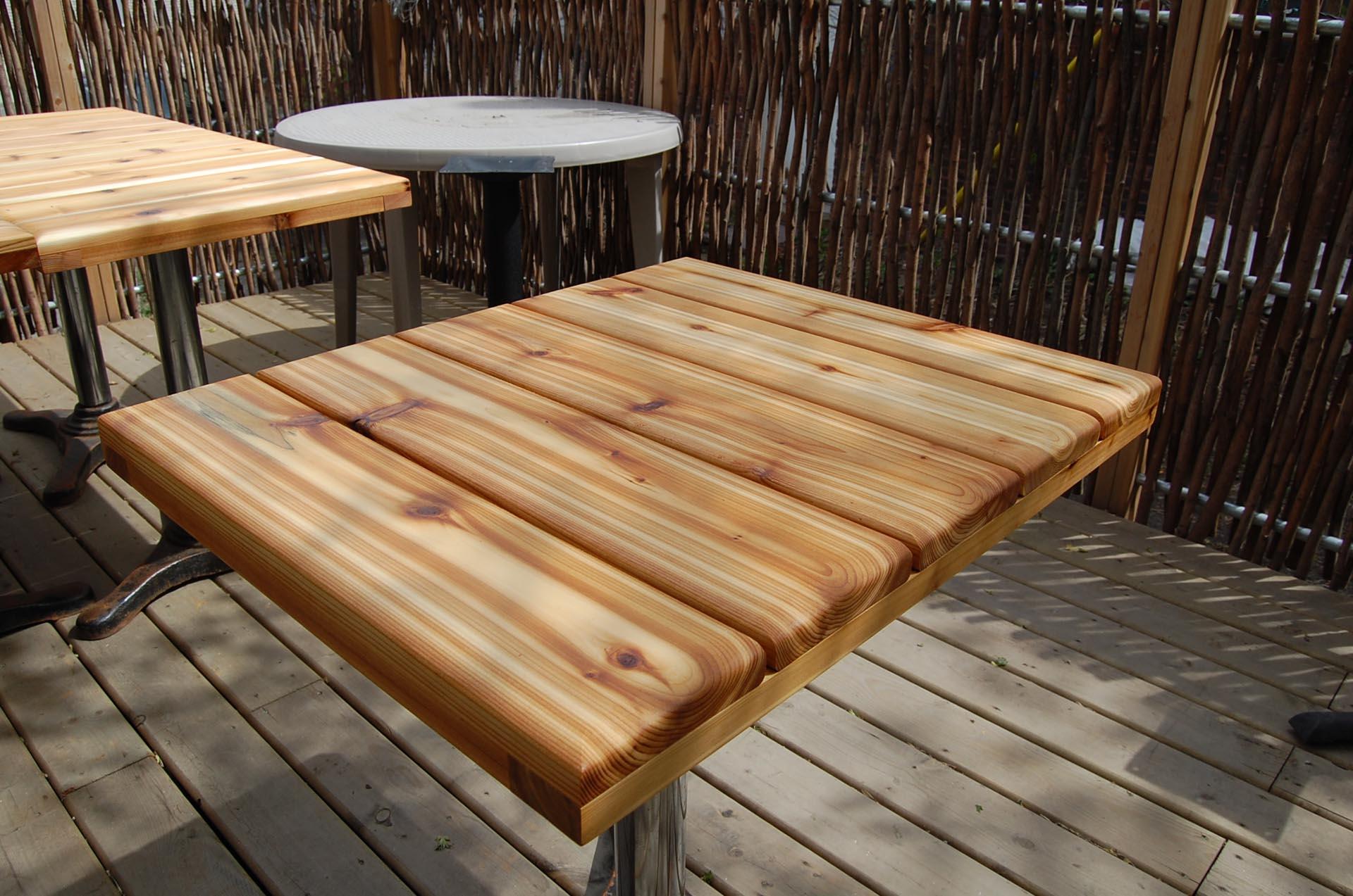 cedar-exterior-table-top-montreal