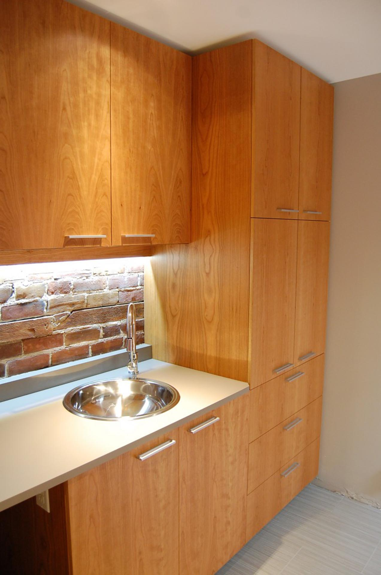 cherry-cabinets-kitchen-montreal