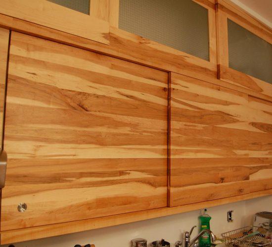 cuisine-caractere-bois-massif-erable-mobilier-armoire-montreal