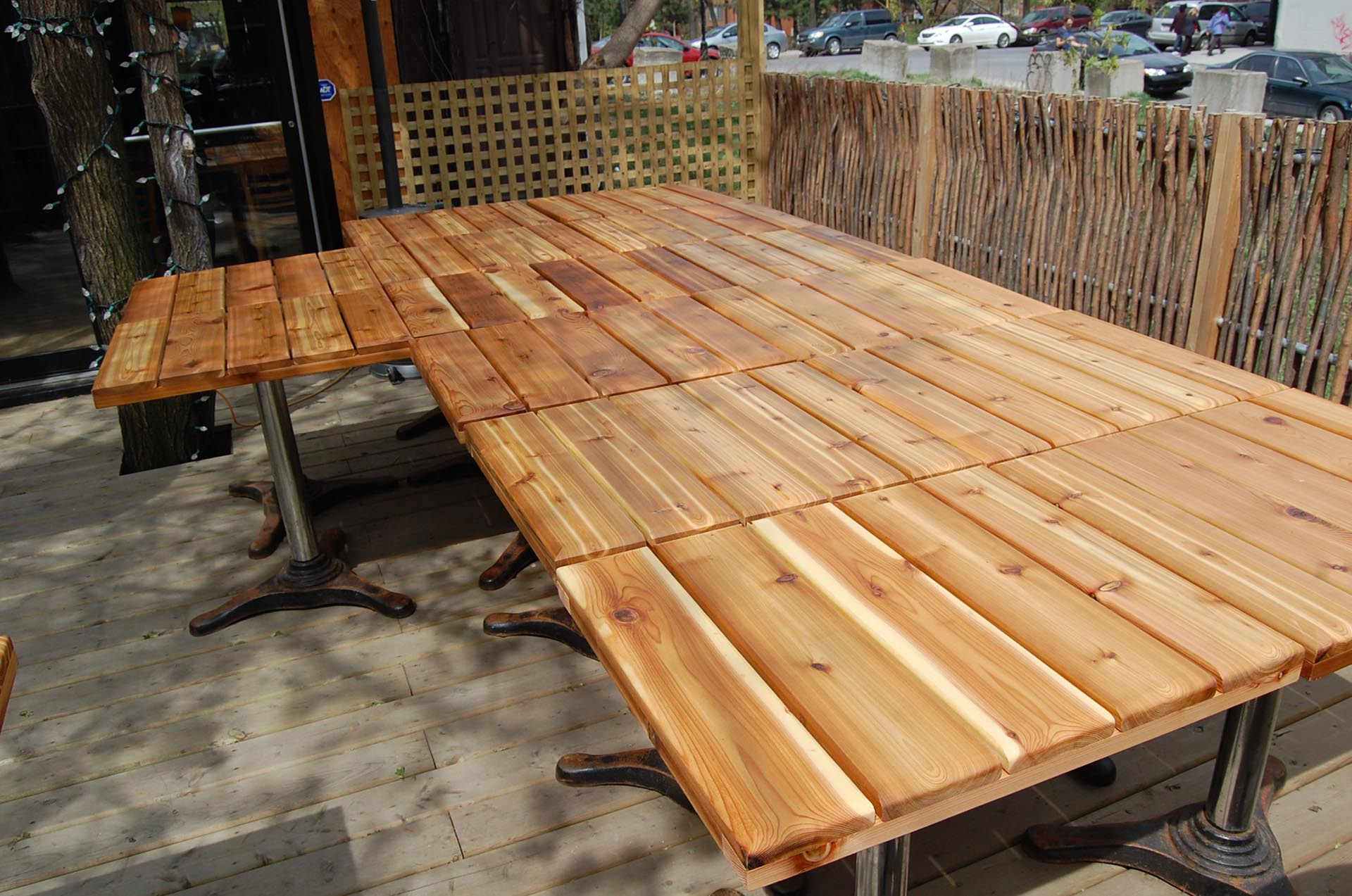 dessus-table-exterieur-mobilier-montreal