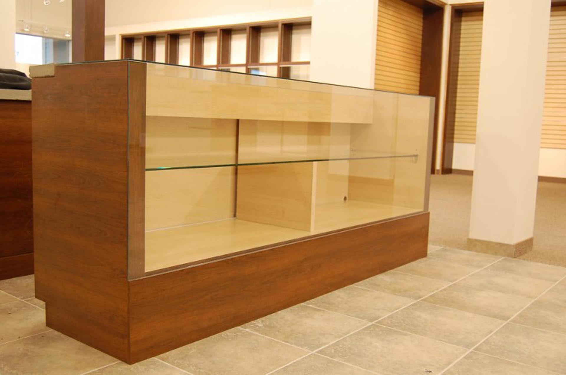 glass-counter-furniture-montreal