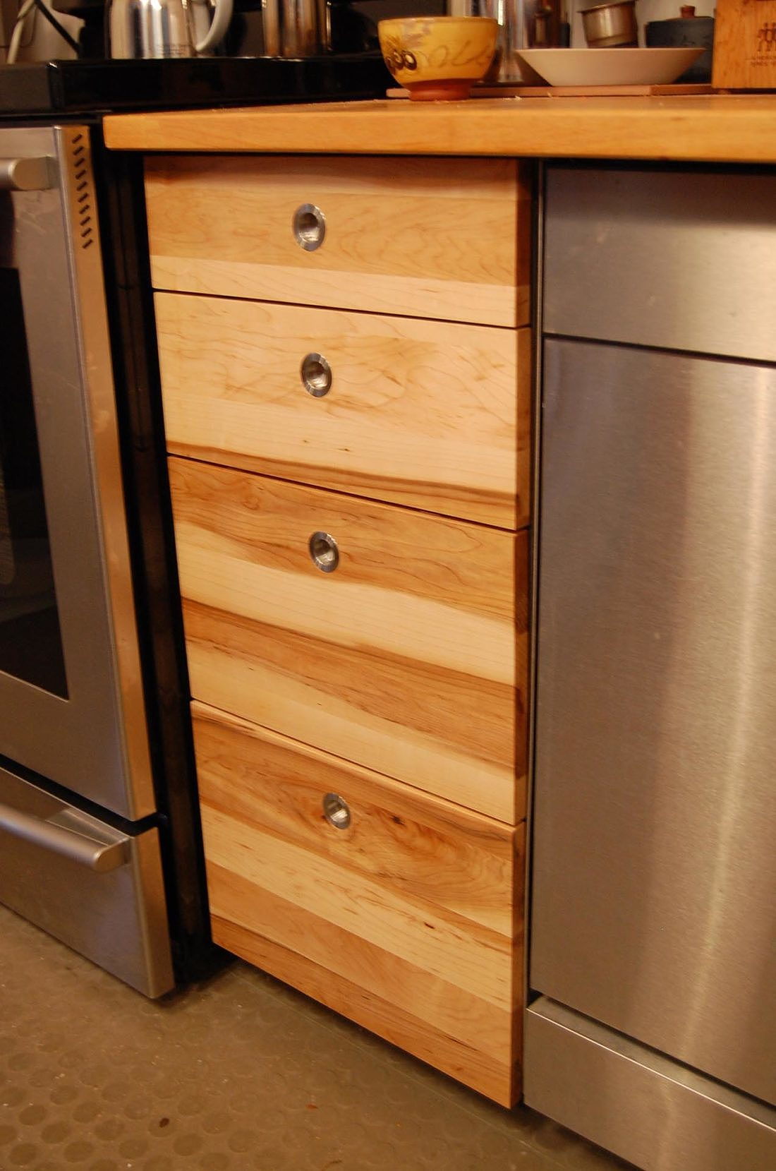 maple-kitchen-cabinets-design-montreal-furniture