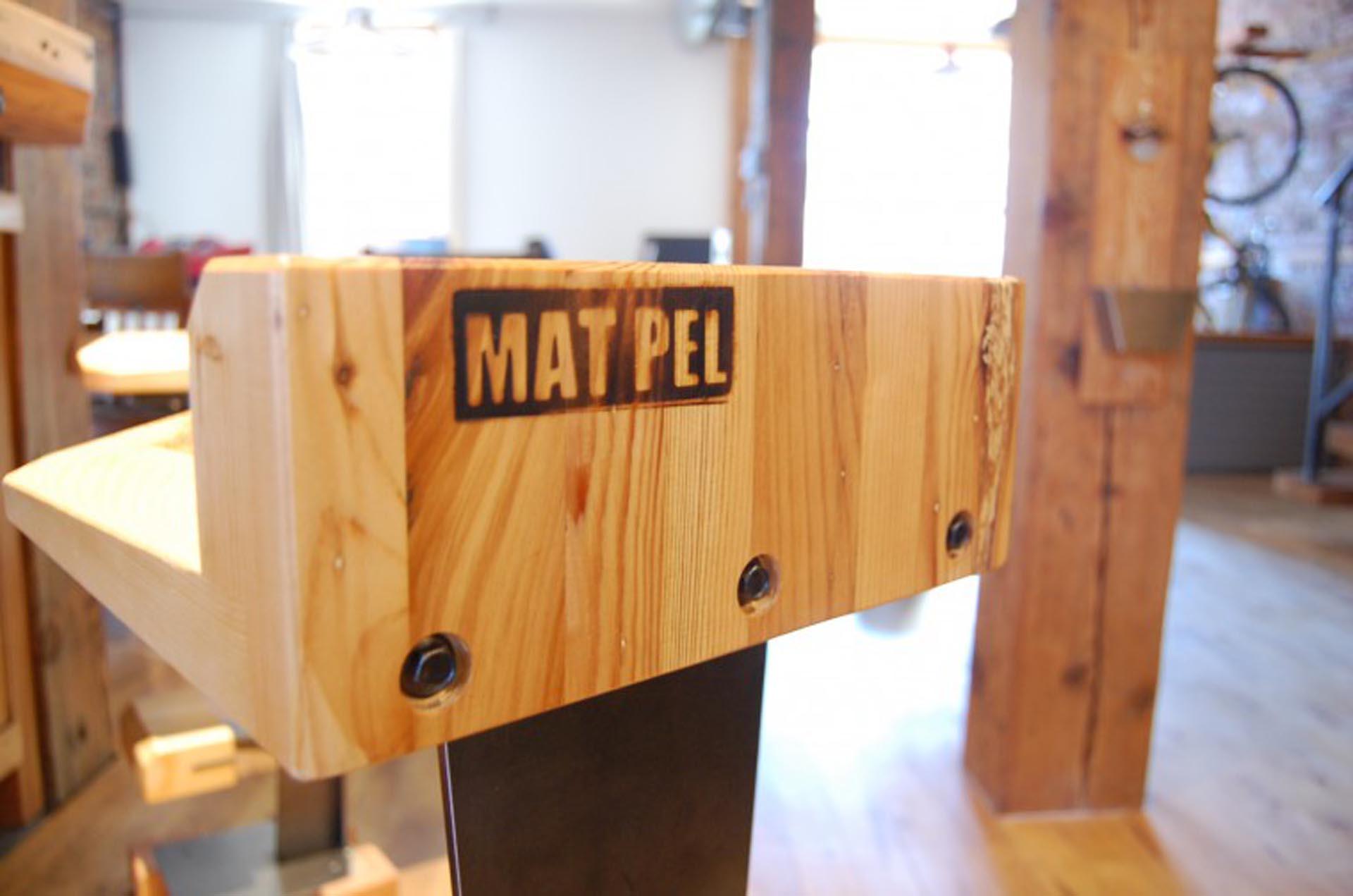 reclaimed-wood-stools-steel-bar-furniture-Montreal