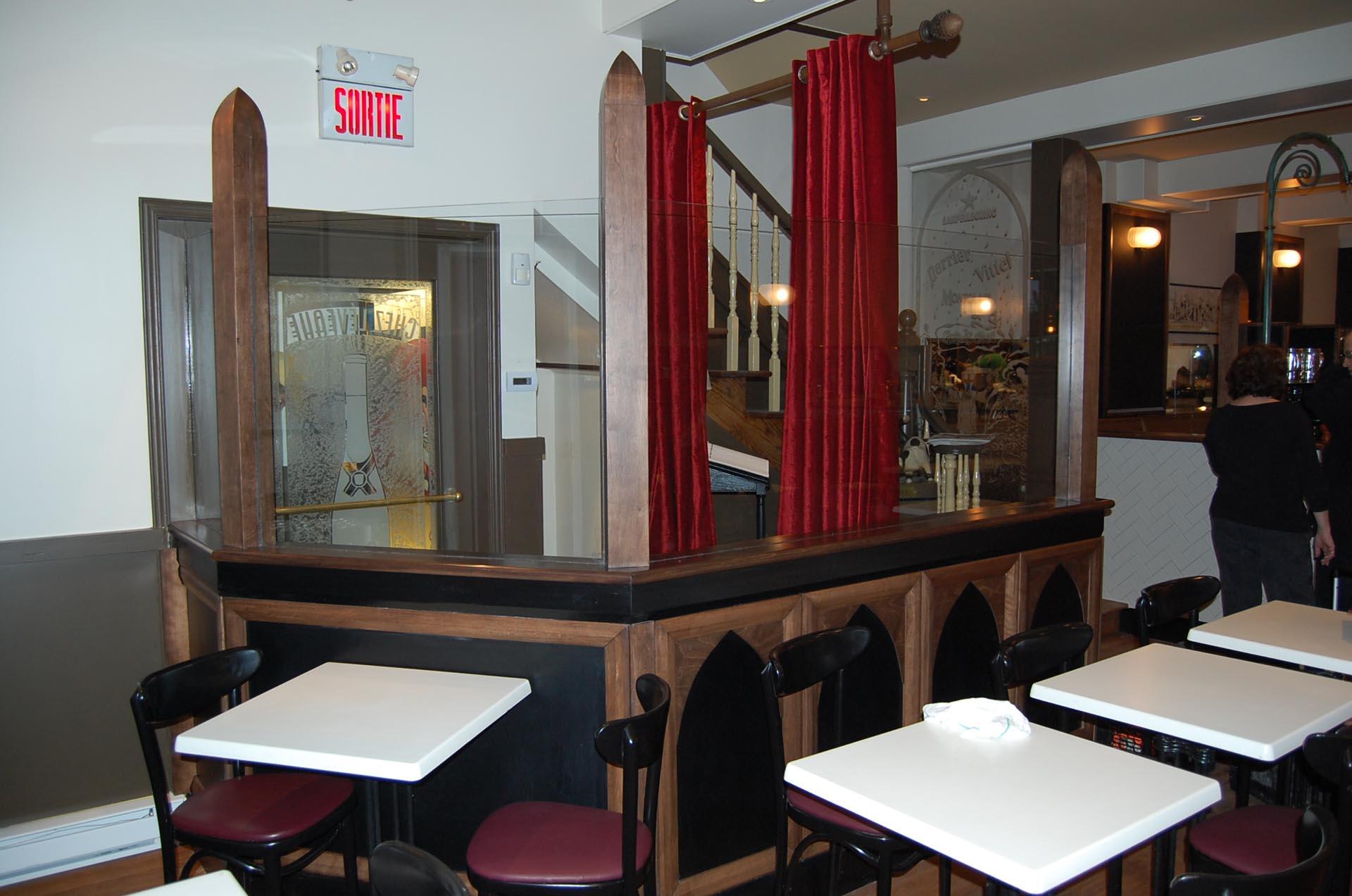 vestibule-restaurant-mobilier-Montréal